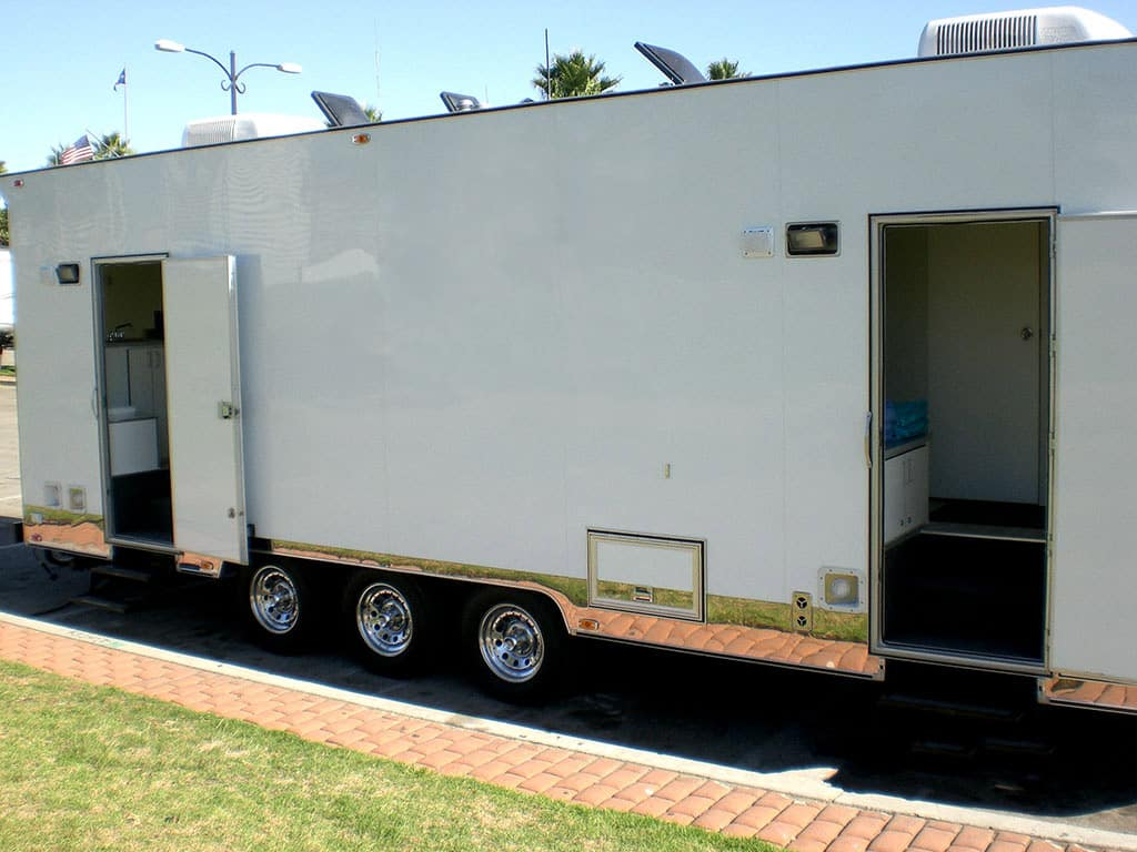 tandd-4-shower-trailer